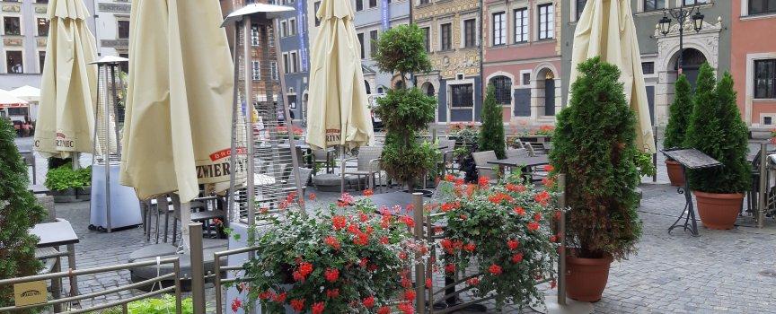 Ogródki gastronomiczne na Rynku Starego Miasta według nowych zasad